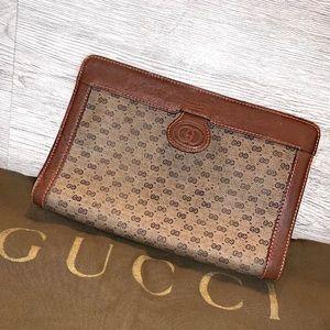 Gucci GG Classic Vintage Clutch Purse Rare